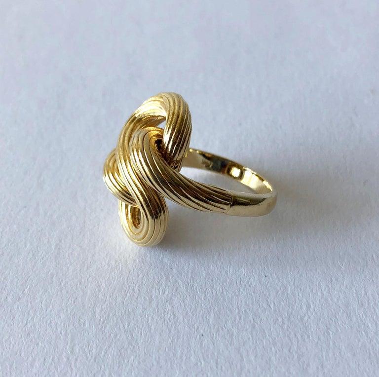 Modernist 1960s Textured 14 Karat Gold Love Knot Cocktail Ring For Sale