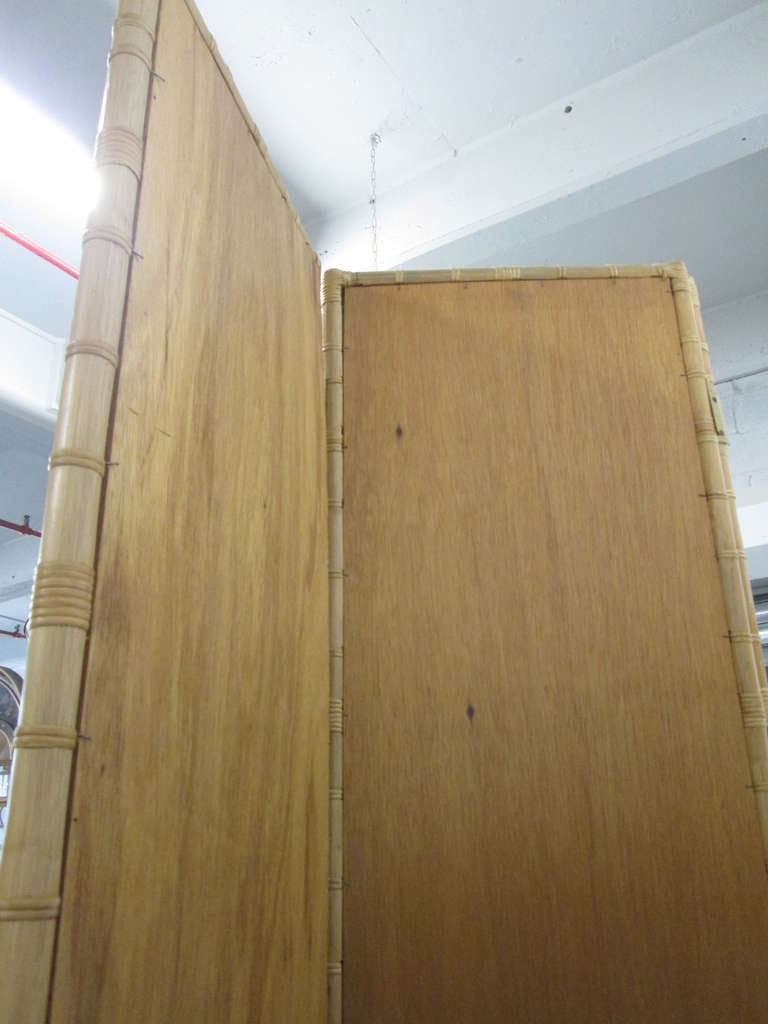 Modern 1960s Three-Panel Rattan and Mirror Floor Screen Room Divider For Sale