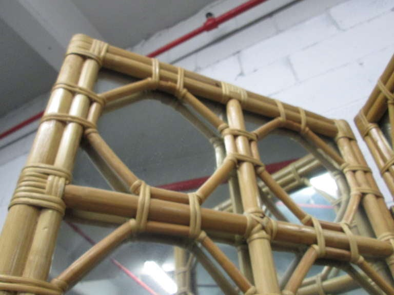 1960s Three-Panel Rattan and Mirror Floor Screen Room Divider In Good Condition For Sale In New York, NY