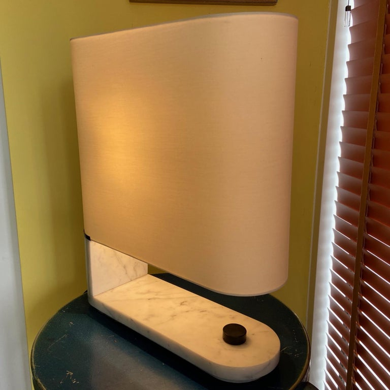 1960's to 1970's Stilnovo Oval Marble Table or Desk Lamp For Sale 3
