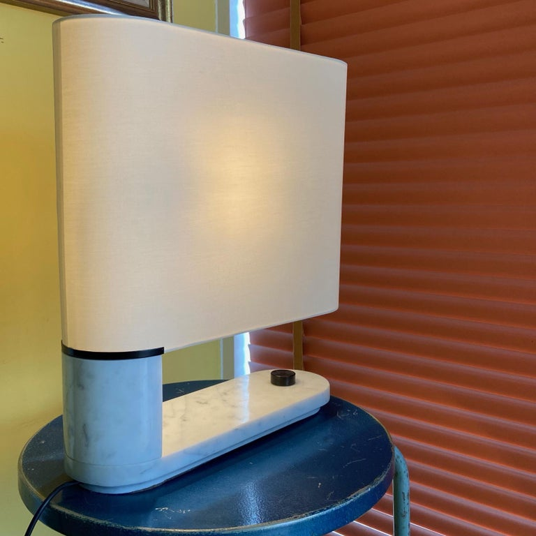 Mid-Century Modern 1960's to 1970's Stilnovo Oval Marble Table or Desk Lamp For Sale
