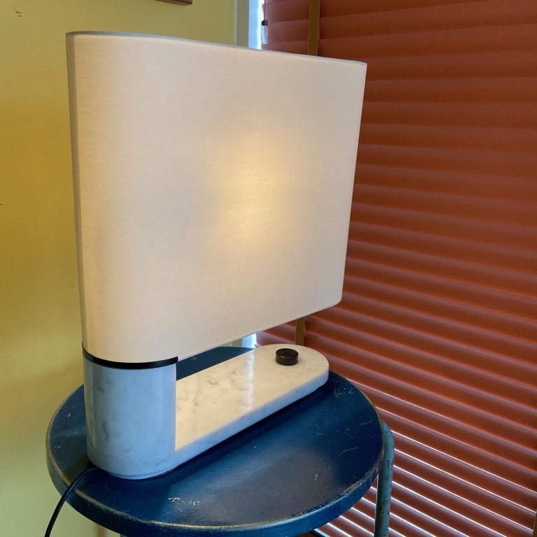 1960's to 1970's Stilnovo Oval Marble Table or Desk Lamp For Sale 1