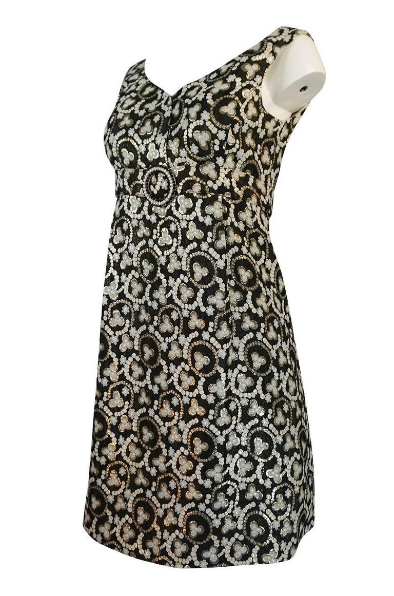 Metallic Gold Thread Print Mod Shift Dress, 1960s  In Excellent Condition For Sale In Toronto, ON