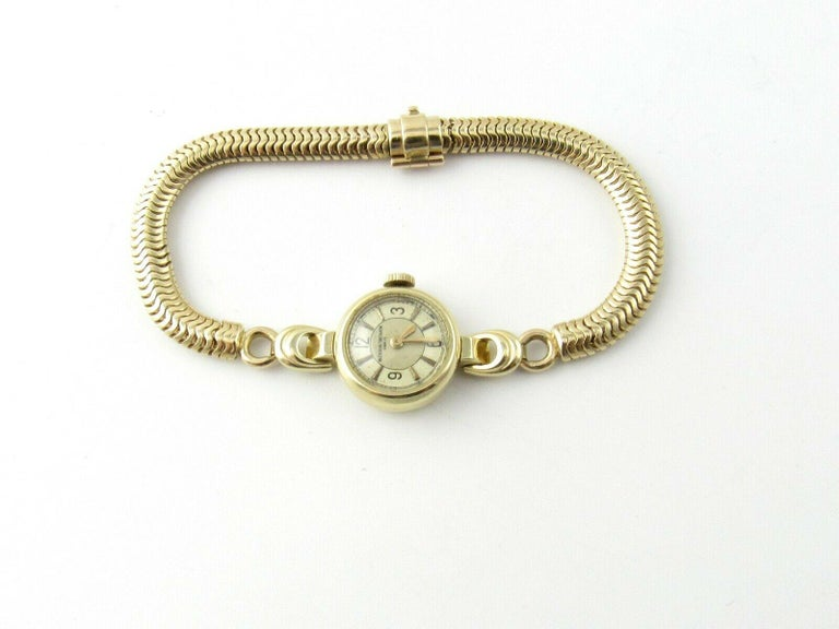 1960s Vacheron Constantin 14 Karat Yellow Gold Ladies Hand Winding Watch In Good Condition For Sale In New Milford, CT