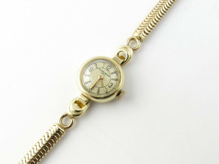 1960s Vacheron Constantin 14 Karat Yellow Gold Ladies Hand Winding Watch For Sale 3
