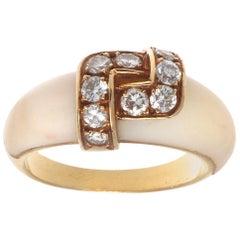 1960s Van Cleef & Arpels France Diamond White Coral 18 Karat Designer Ring