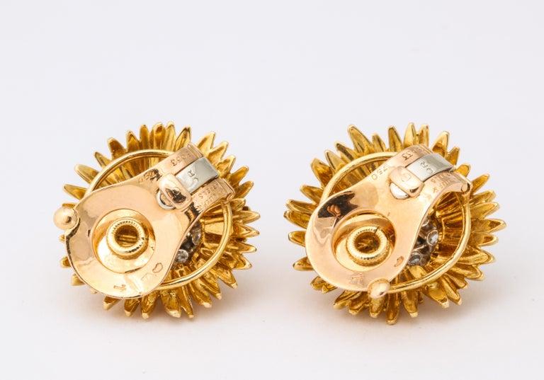 1960s Van Cleef & Arpels Paris Gold Diamond Earrings For Sale 3