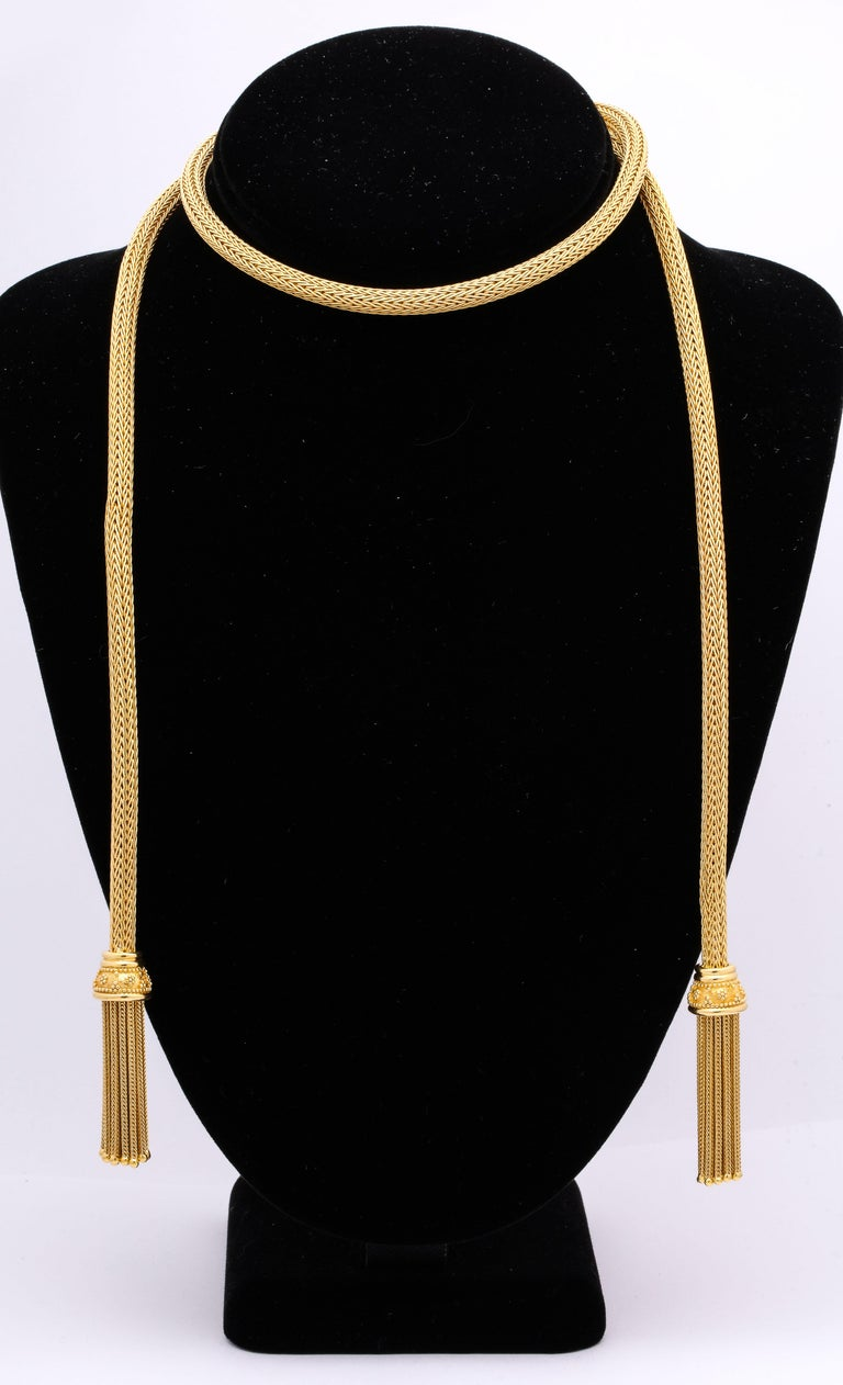 1960s Versatile Tubular Braided Tassel Gold Lariat Style Necklace In Good Condition For Sale In New York, NY