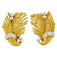 1960's Vintage 0.85 Carat Diamond 18 Karat Gold Twisted Rope Ear-Clip Earrings