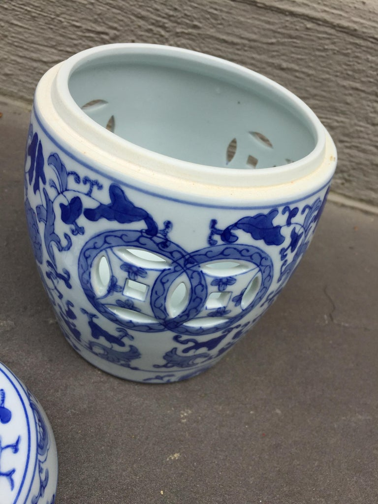 Hand-Painted 1960s Vintage Chinoiserie Ginger Jar For Sale