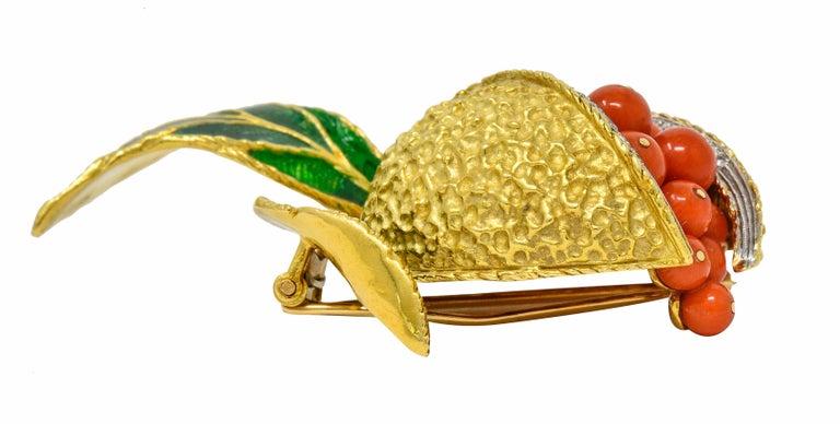 1960s Vintage Diamond Coral Enamel 18 Karat Gold Pomegranate Brooch For Sale 1