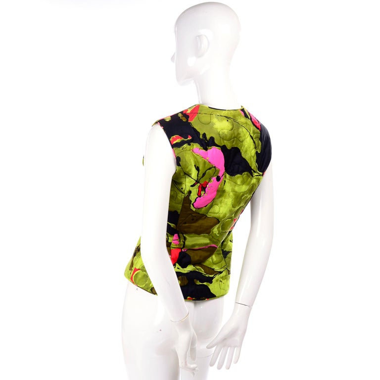 Women's 1960s Vintage Dynasty Vest in Colorful Quilted Large Scale Floral Bold Print For Sale