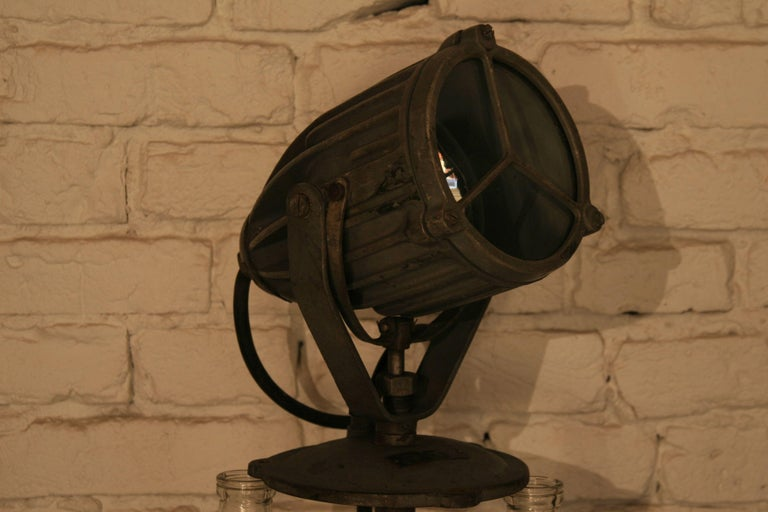 1960s Vintage Manual Marine Searchlight Type 135 For Sale 5