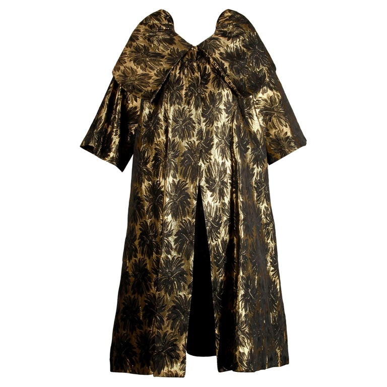 1960s Vintage Metallic Gold Damask Opera or Evening Coat with Pop Up Collar For Sale
