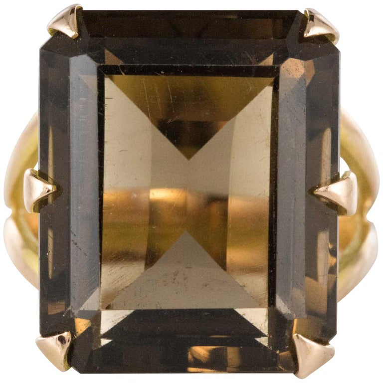 Smokey Quartz Stick Pin in Yellow Gold