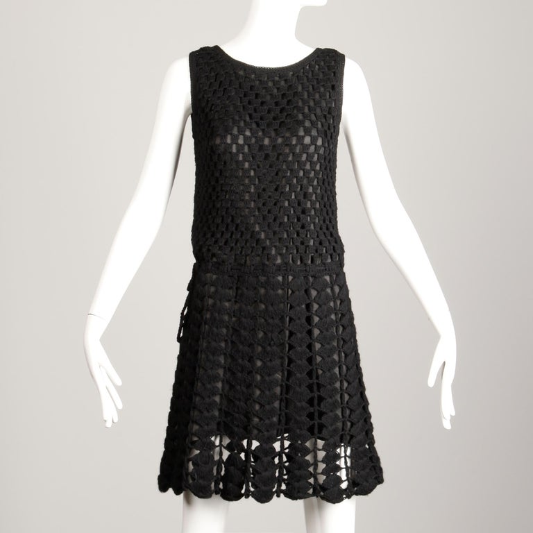1960s Vintage Wool Hand Crochet Dress In Excellent Condition For Sale In Sparks, NV
