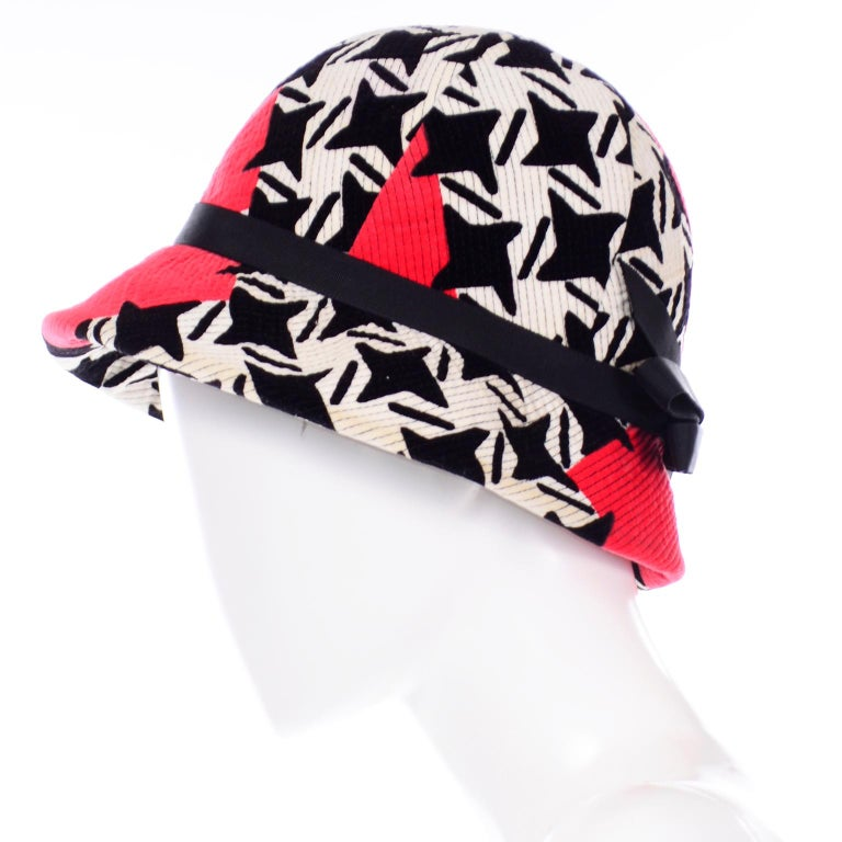 1960s Vintage YSL Yves Saint Laurent Bucket Hat in Black White Red Graphic Print For Sale 1