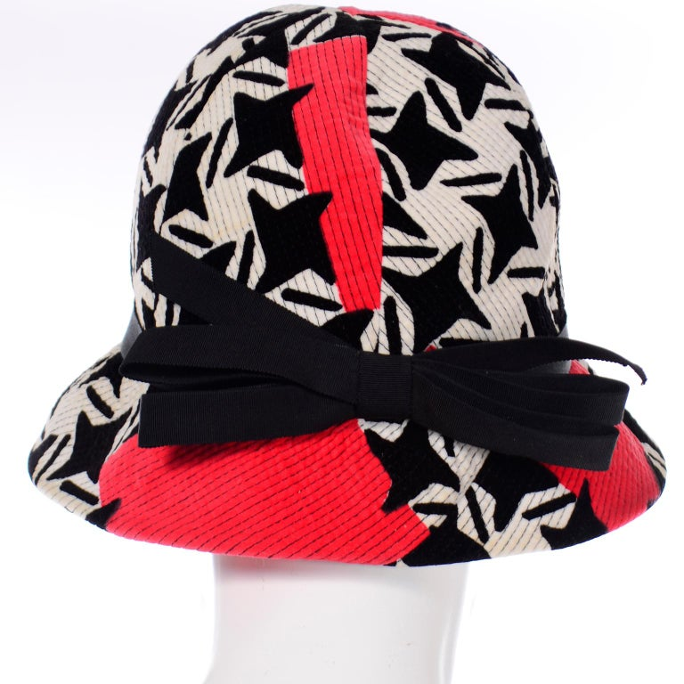 1960s Vintage YSL Yves Saint Laurent Bucket Hat in Black White Red Graphic Print For Sale 5