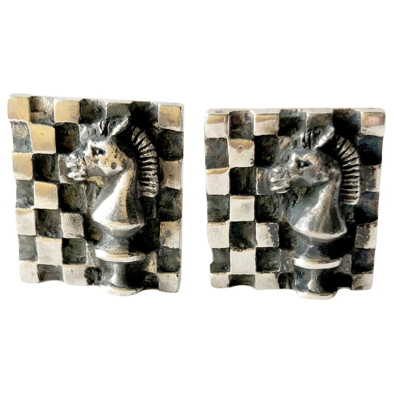 1960s Walter Wright Sterling Silver Knight Chess Player Cufflinks For Sale