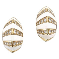 1960s White Onyx Diamond 18 Karat Yellow Gold Ear Clip Earrings