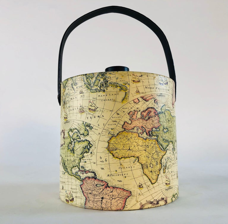 1960s World Globe Style Ice Bucket In Good Condition For Sale In Amherst, NH