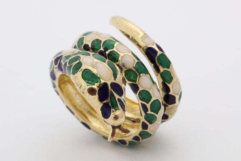 1960s Wrap Around Coiled Blue, White, Green Enamel Gold Figural Snake Ring For Sale 7