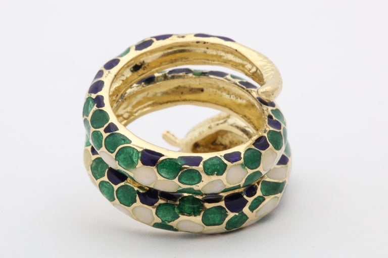 1960s Wrap Around Coiled Blue, White, Green Enamel Gold Figural Snake Ring For Sale 3