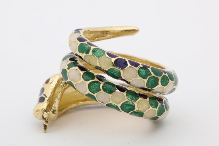 1960s Wrap Around Coiled Blue, White, Green Enamel Gold Figural Snake Ring For Sale 4