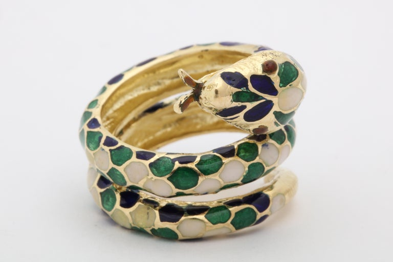 1960s Wrap Around Coiled Blue, White, Green Enamel Gold Figural Snake Ring For Sale 5
