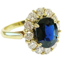 1960s , Sapphire and Diamonds Halo 18k Yellow Gold Cluster Ring