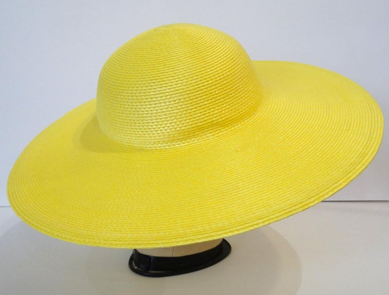1960s Yellow Straw Wide Brim Bowler Hat  In Good Condition For Sale In Scottsdale, AZ