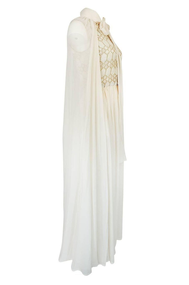 1961 Pierre Balmain Haute Couture Ivory Beaded Dress w Detachable Cape In Excellent Condition For Sale In Rockwood, ON