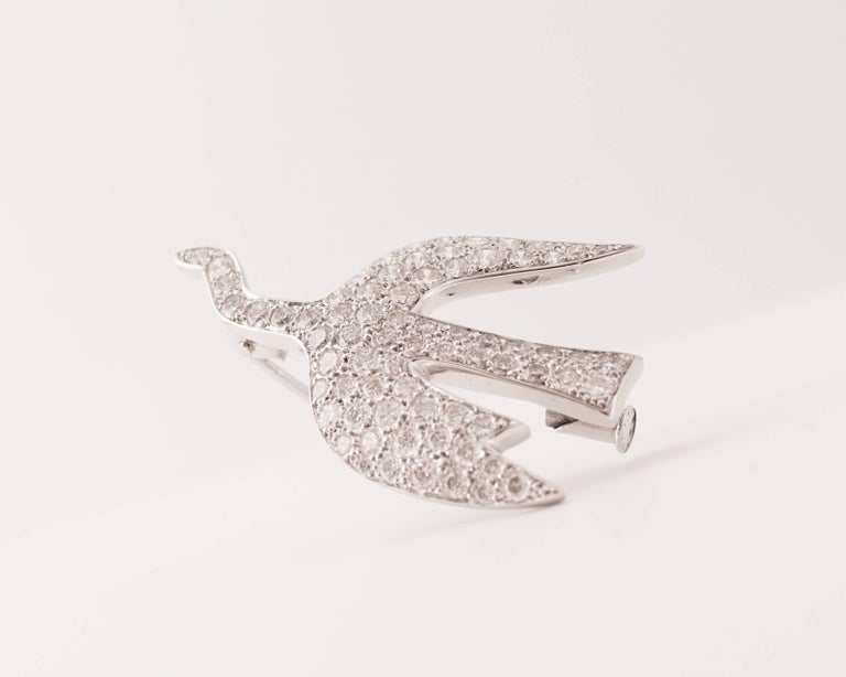 Express Shipping insured during the world lockdown  Stunning 18K White Gold and Round-Cut Bright Diamonds (2,36 Carats) brooch by Georges Braque (1882-1963), inventor of cubism.   It is called