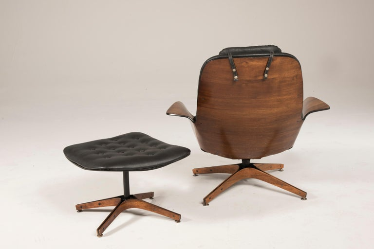 1964 Mr. Chair II by George Mulhauser for Plycraft and Ottoman In Good Condition For Sale In Milano, IT