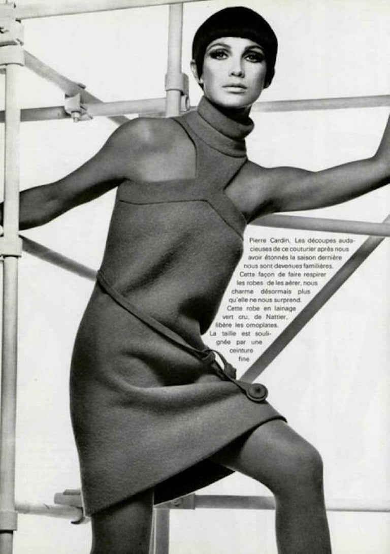 Vintage 1966 Pierre Cardin Haute Couture Documented Green Crepe Turtleneck Dress In Good Condition For Sale In Beverly Hills, CA