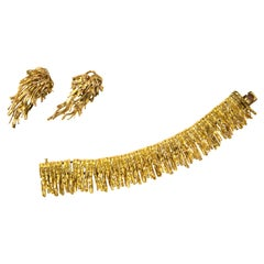 1967 Chaumet Textured Gold Bracelet and Earring Set