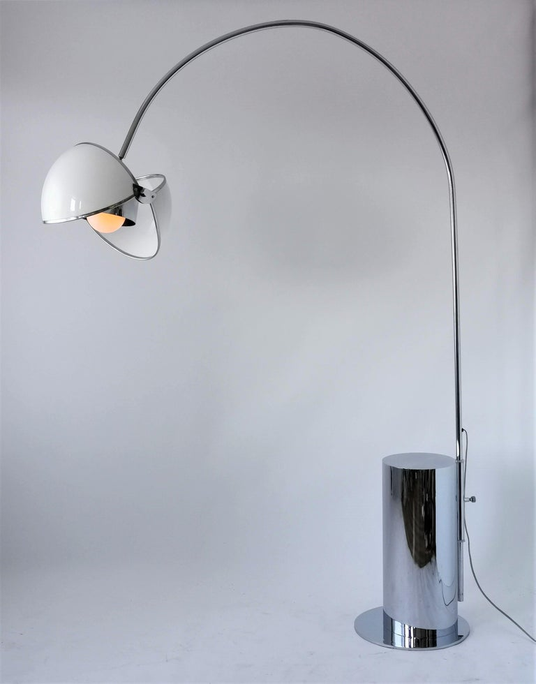 1970 Arch Floor Lamp in the Style of Superstudio, Italia In Good Condition For Sale In St- Leonard, Quebec