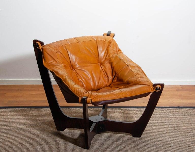 1970, Camel / Cognac Leather Lounge Chair by Odd Knutsen for Hjellegjerde Møbler In Good Condition For Sale In Silvolde, Gelderland