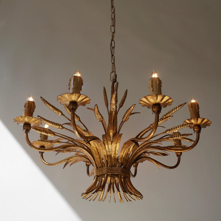 1970 French Tole Faux Palm Tree Eight-Light Chandelier In Good Condition For Sale In Antwerp, BE