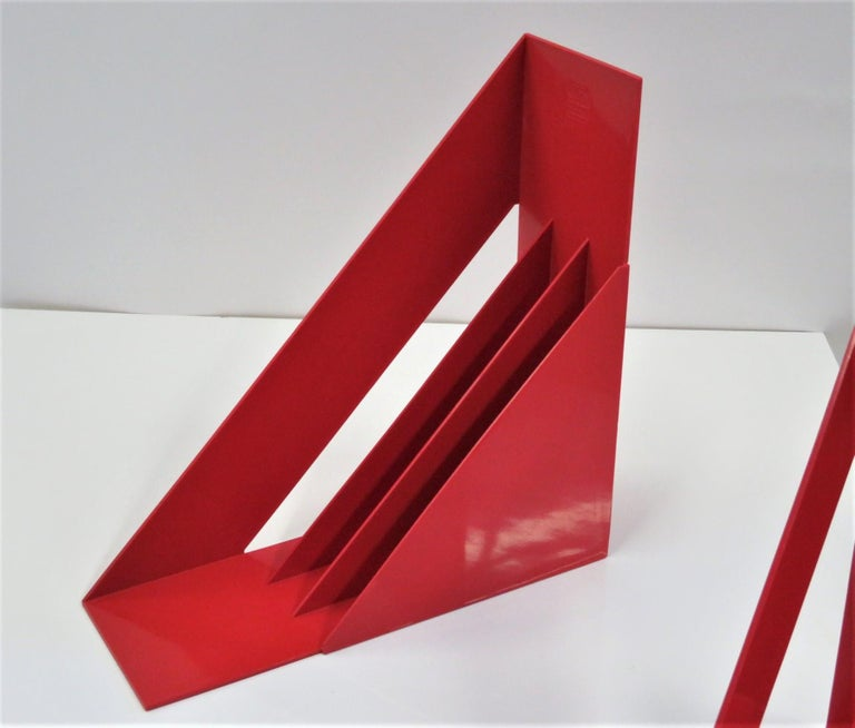 Late 20th Century 1970 Heller Modern Plastic Pair Record/Magazine Racks by Giotto Stoppino Pop Art For Sale