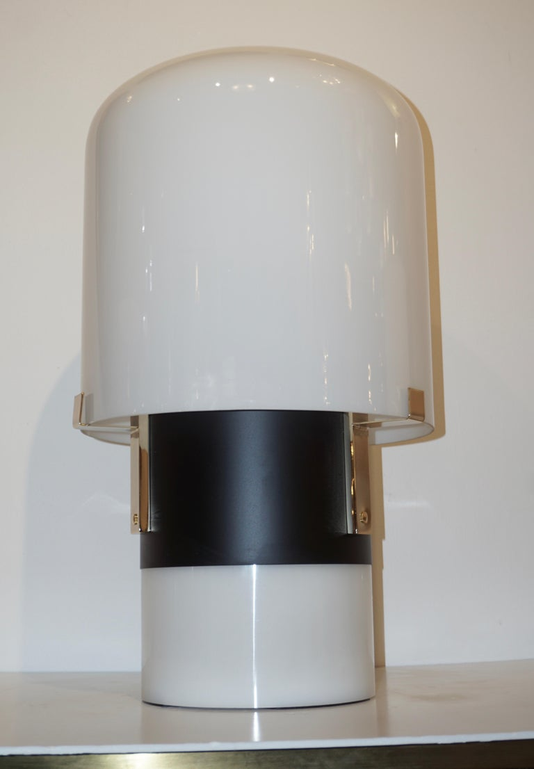 1970 Italian Minimalist Pair of Black White Glass Double-Lit Lucite Modern Lamps For Sale 4