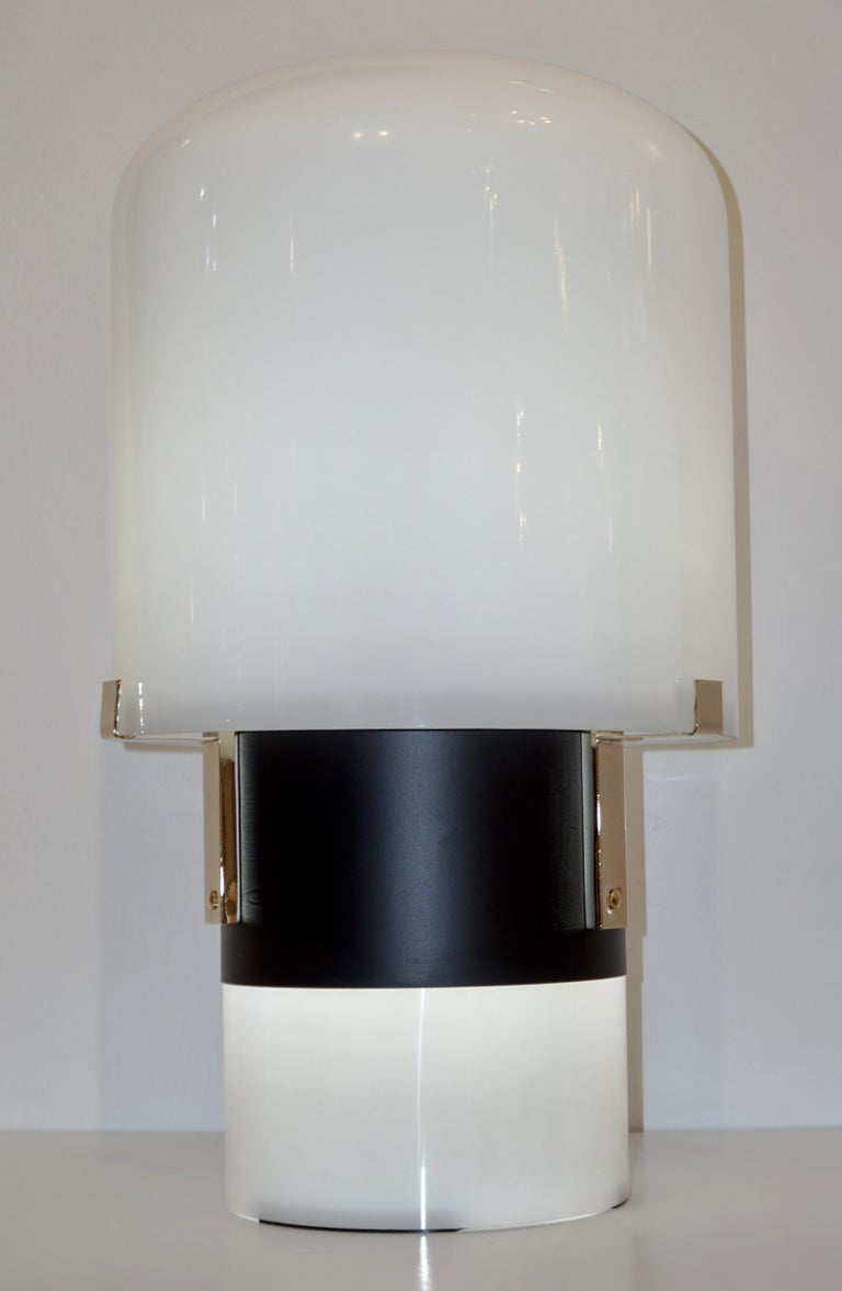1970 Italian Minimalist Pair of Black White Glass Double-Lit Lucite Modern Lamps For Sale 5