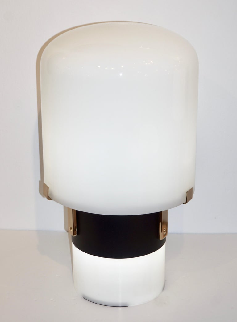 Hand-Crafted 1970 Italian Minimalist Pair of Black White Glass Double-Lit Lucite Modern Lamps For Sale