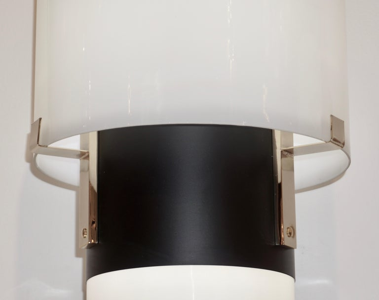 1970 Italian Minimalist Pair of Black White Glass Double-Lit Lucite Modern Lamps For Sale 1