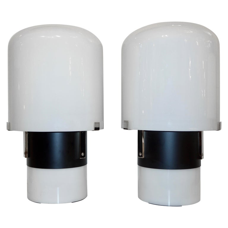 1970 Italian Minimalist Pair of Black White Glass Double-Lit Lucite Modern Lamps For Sale