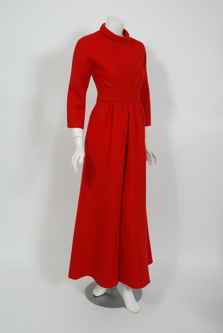 Vintage 1967 Nina Ricci Haute Couture Ruby Red Wool Full-Length Mod Jumpsuit In Good Condition For Sale In Beverly Hills, CA