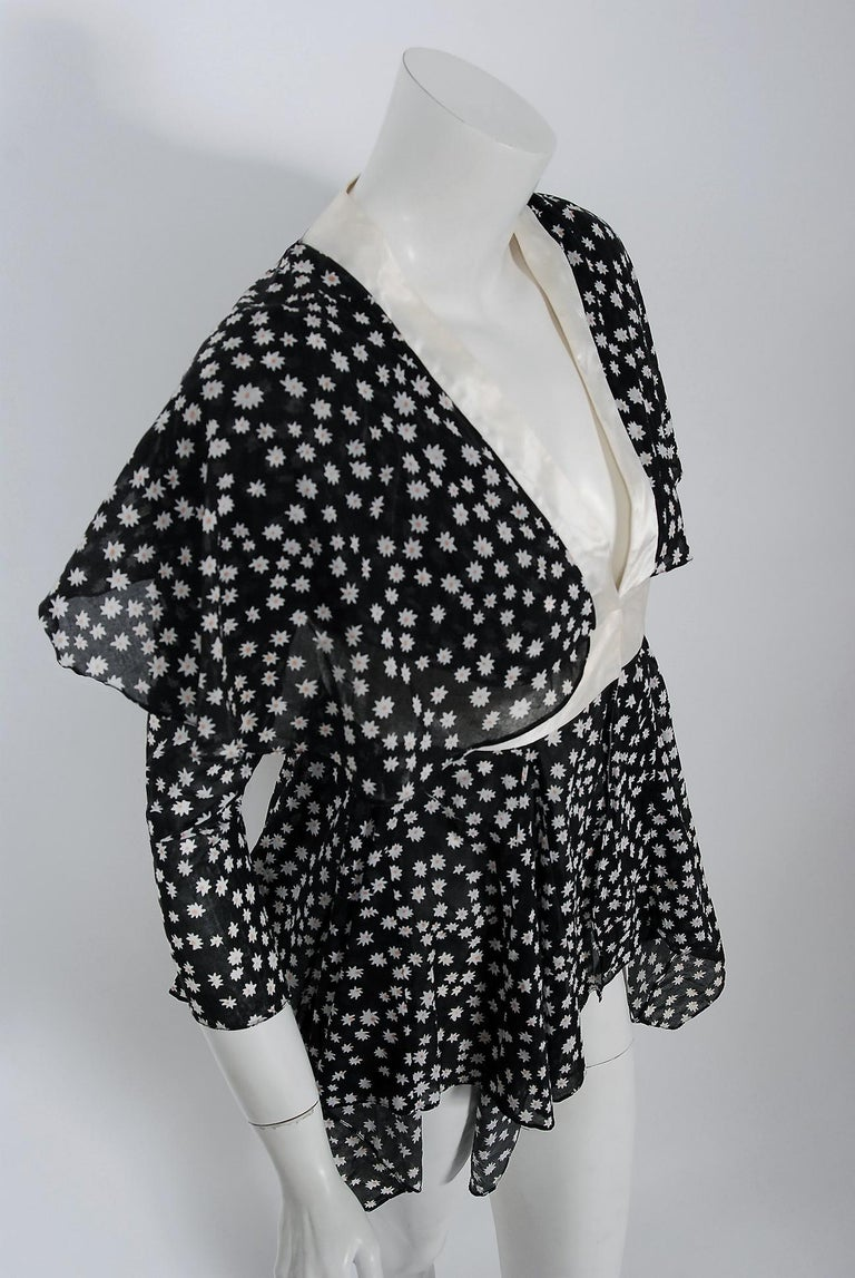 Black Vintage 1970 Ossie Clark Daisy Celia Birtwell Print Capelet Handkerchief Blouse For Sale