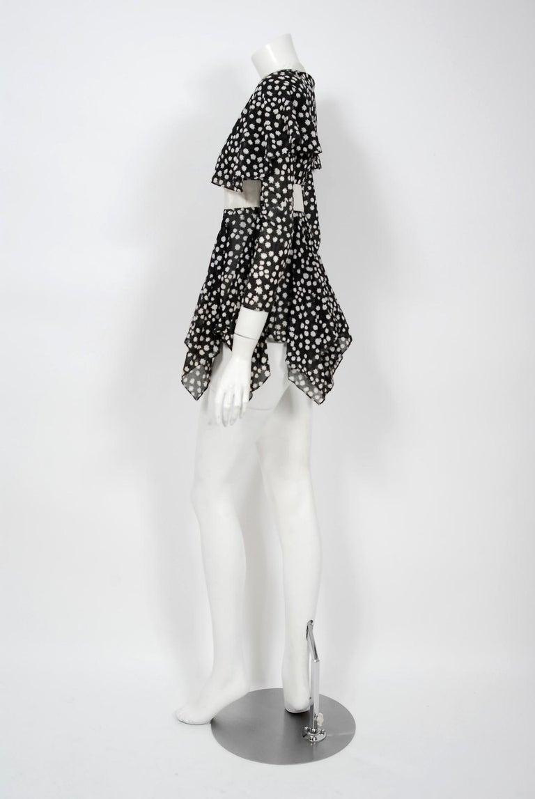 Vintage 1970 Ossie Clark Daisy Celia Birtwell Print Capelet Handkerchief Blouse For Sale 1