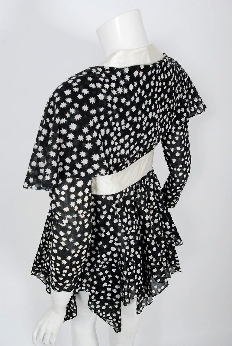 Vintage 1970 Ossie Clark Daisy Celia Birtwell Print Capelet Handkerchief Blouse For Sale 3