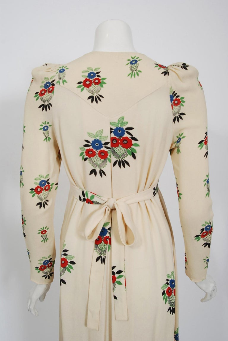 1970 Ossie Clark Ivory Moss-Crepe Celia Birtwell Floral Print Long Sleeve Dress For Sale 2